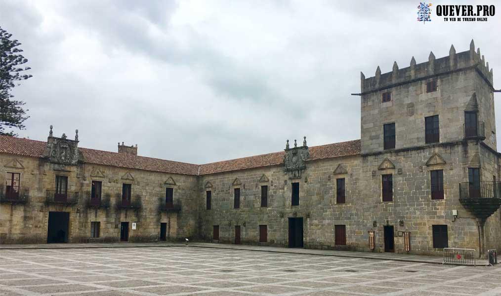 Plaza Monumental de Fefiñanes en Cambados